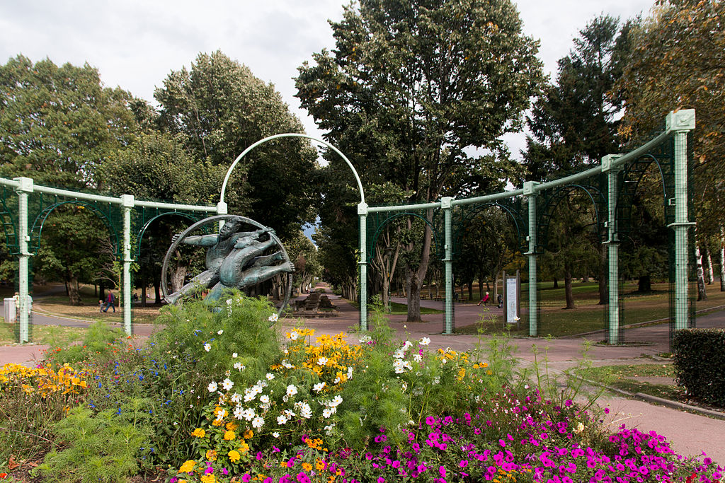 Il y a 17 parcs dans la ville de saint etienne - Piscine saint etienne de saint geoirs ...