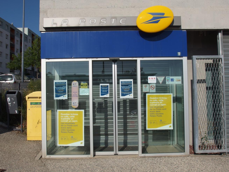 Ouverture de la poste de montreynaud 42info.fr