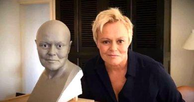 Muriel Robin au Musée Grévin : découvrez la vidéo exclusive